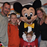 Britt Houdyshell – Disney Illinois Travel Agent