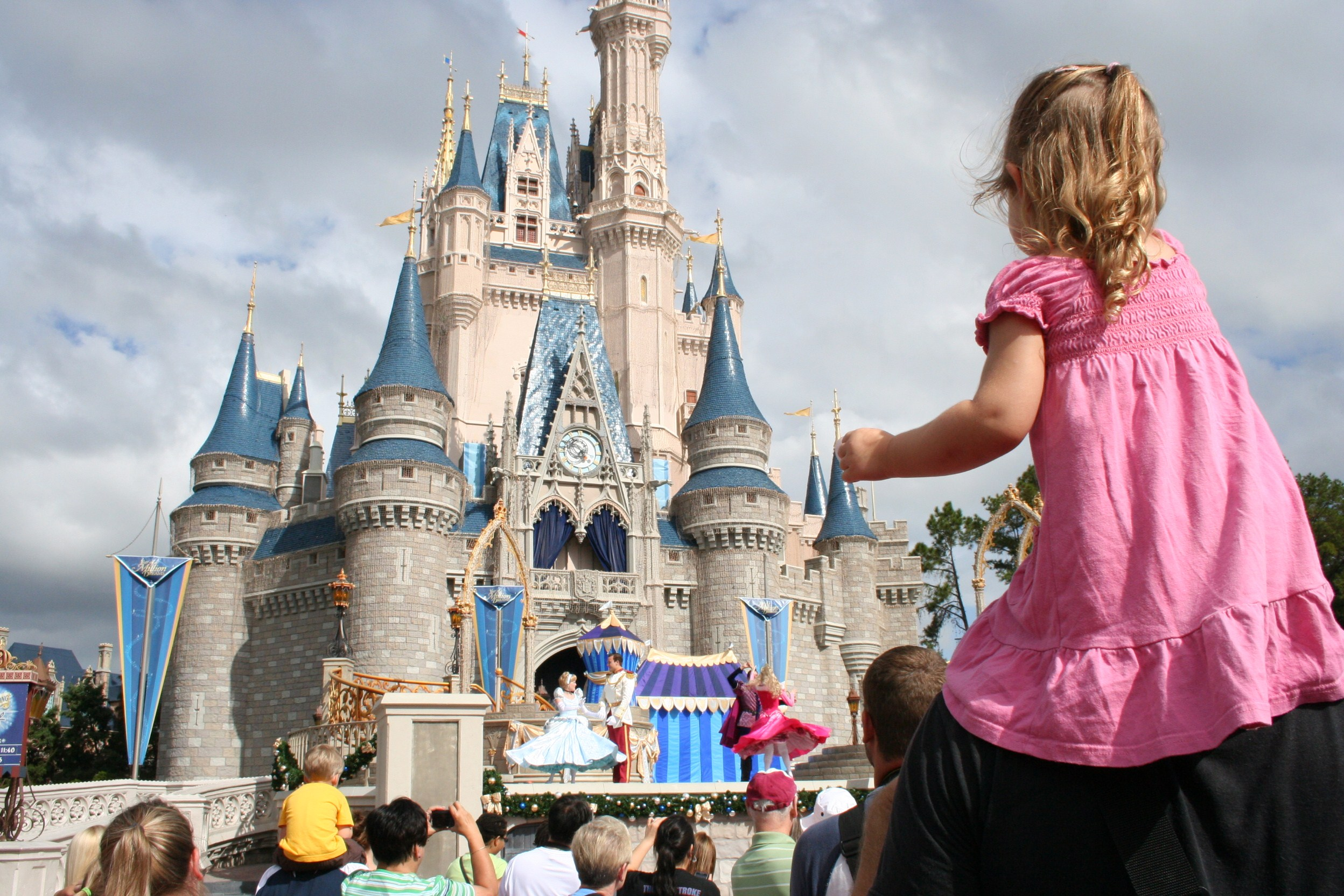 cinderellas-caste_magic-kingdom_walt-disney-world